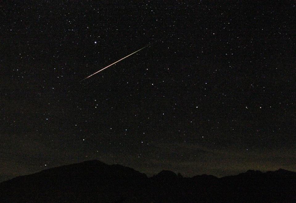 夜には満天の星空が登場します